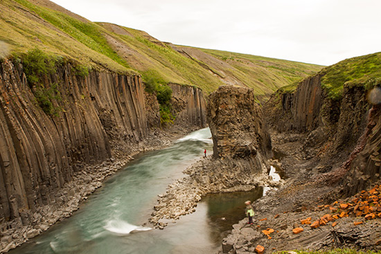Stunning pools have been discovered in the new Jökla river like this one!
