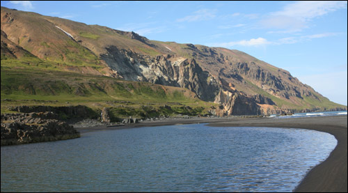 The estuary of Fögruhlíðarós is under this impressive mountain and fishing can be great there.